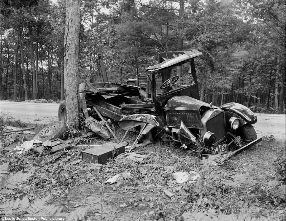 20140307_1920s 1930s car crash photos_007