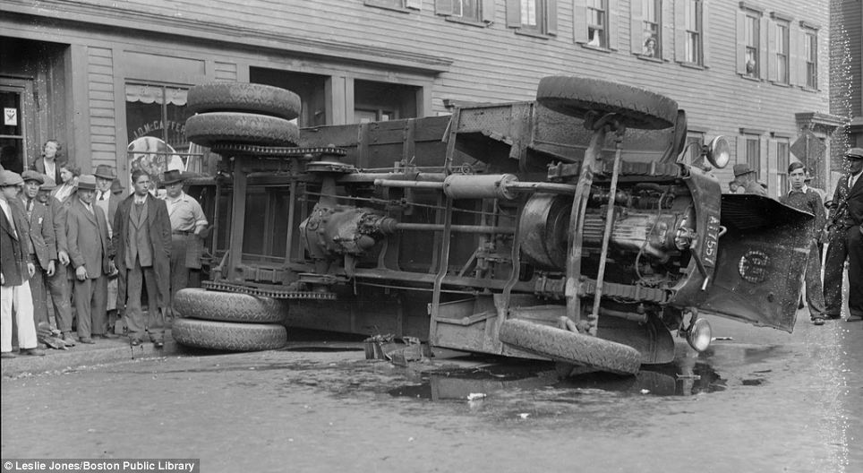 20140307_1920s 1930s car crash photos_020