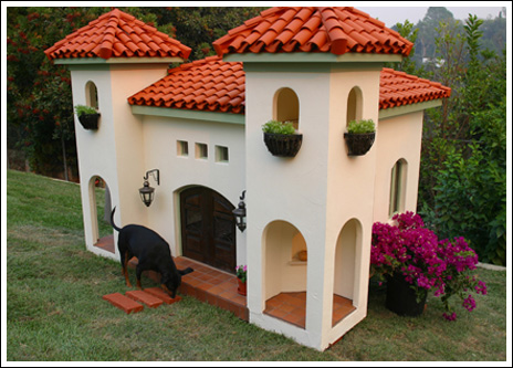 20140307_Designer dog houses for spoiled pets_017